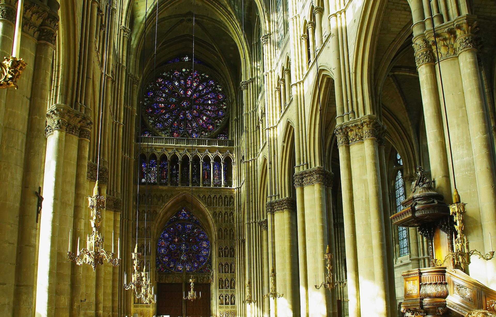 Cathédrale de Reims commencée en 1211
