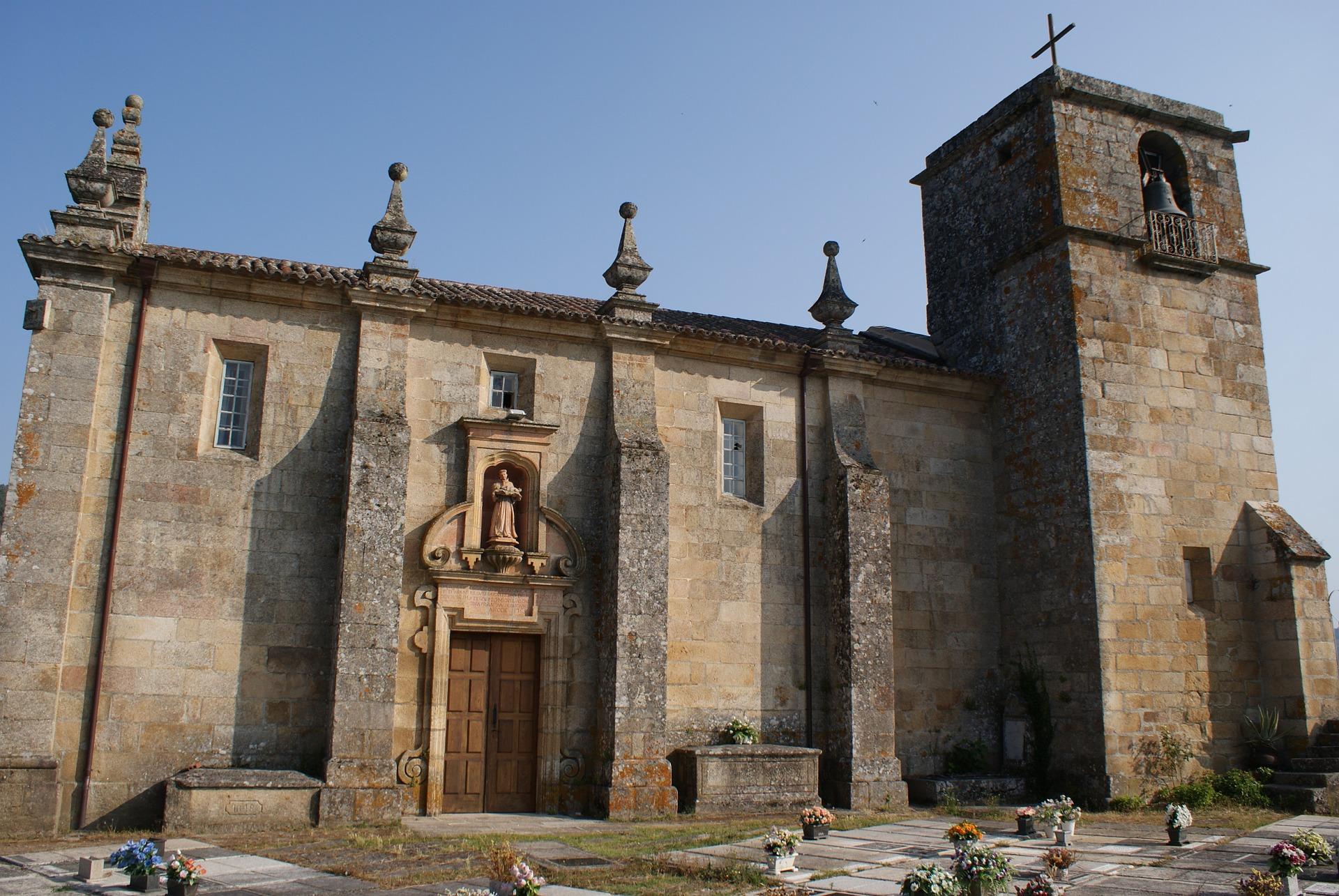 Eglise Romane - Castrelo de Miño
