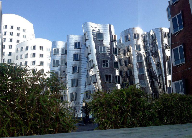 Düsseldorf - Frank Gehry - réel contre virtuel